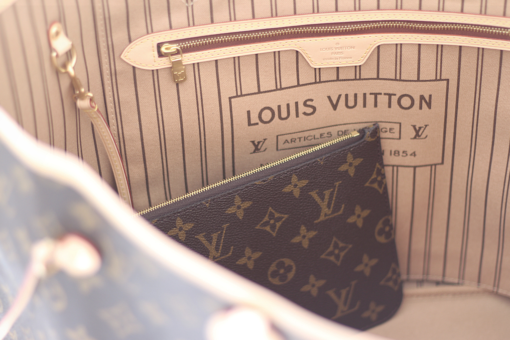 louis-vuitton-neverfull-innen
