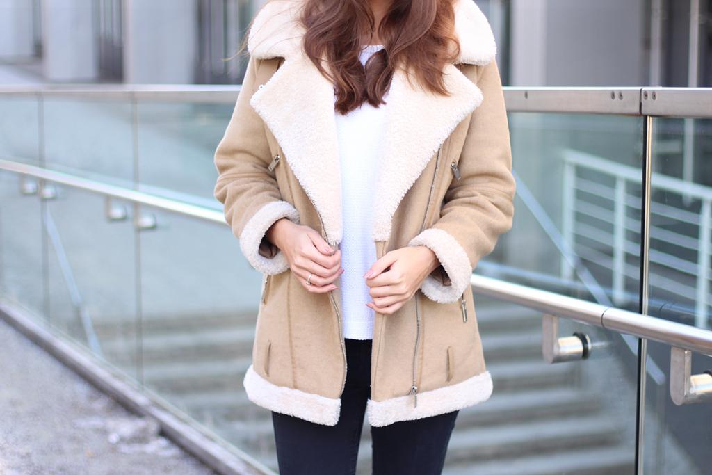 zara-shearling-jacket-beige-durch-den-januar
