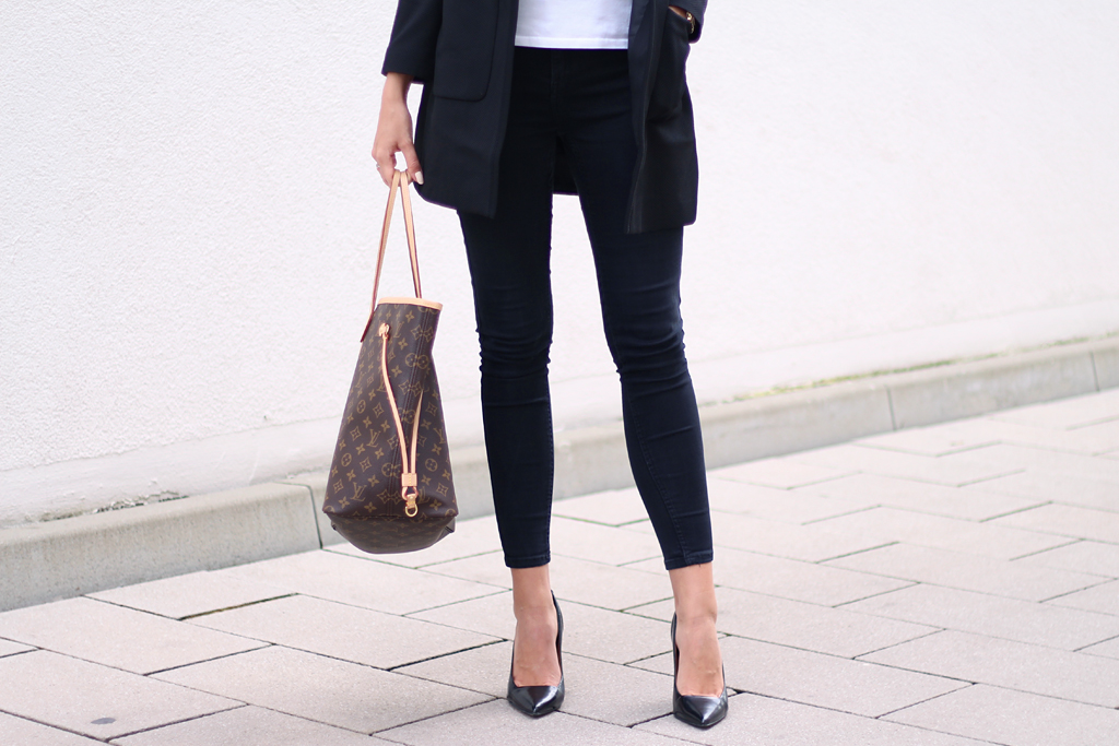office-look-high-heels