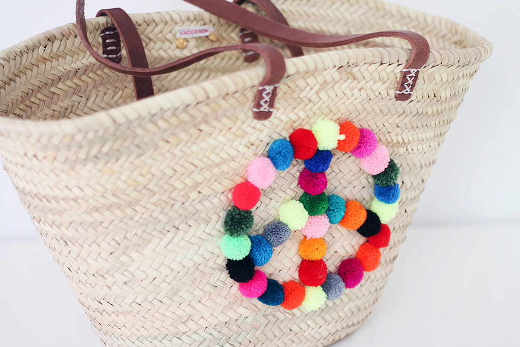 knocknokfashion-pom-pom-basket