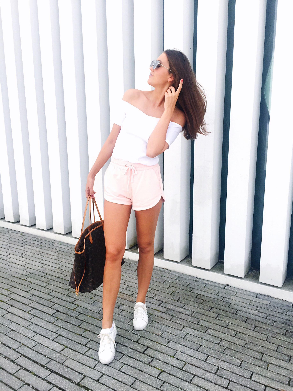 Off-Shoulder Outfit