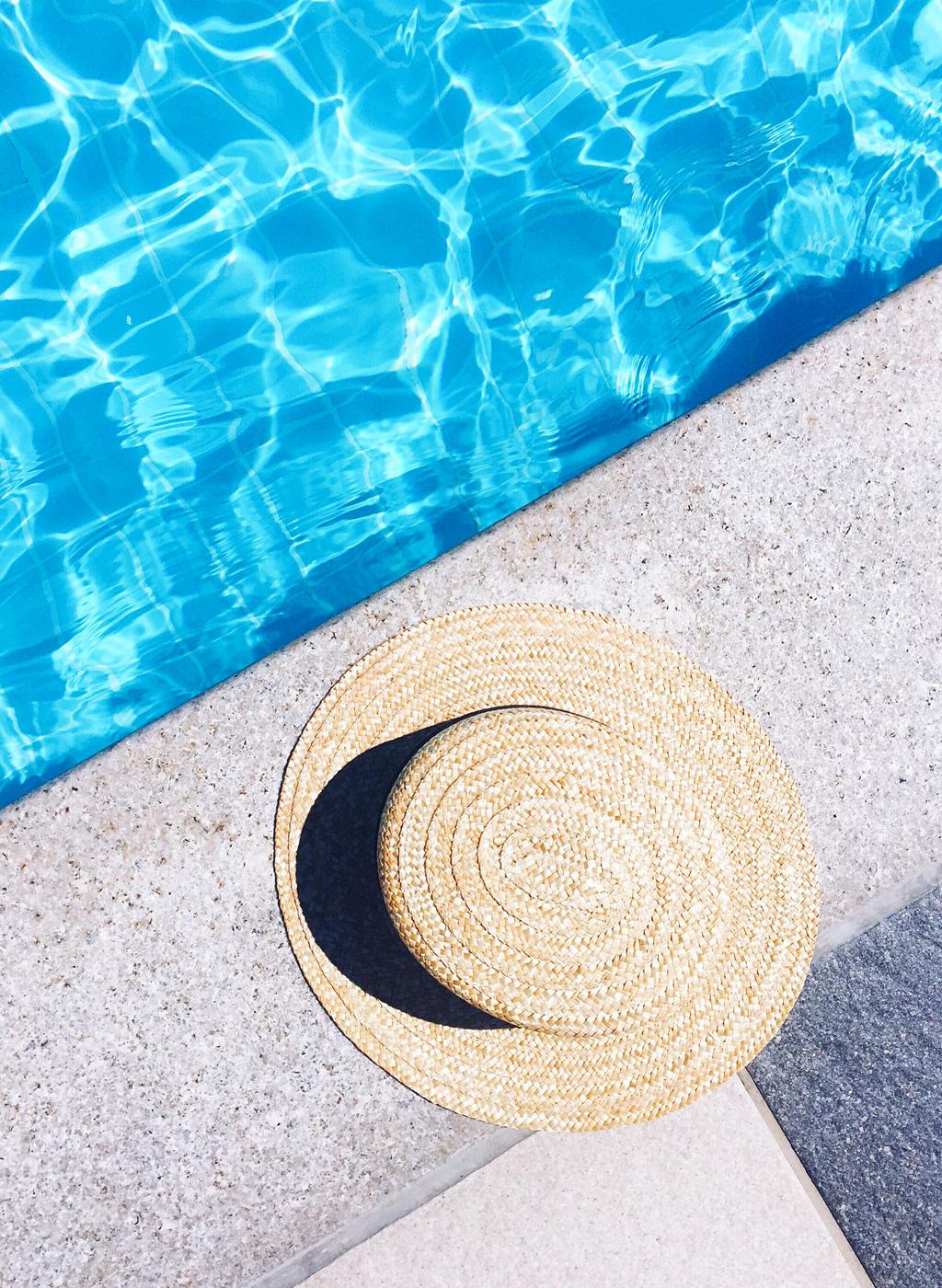 pool-strohhut