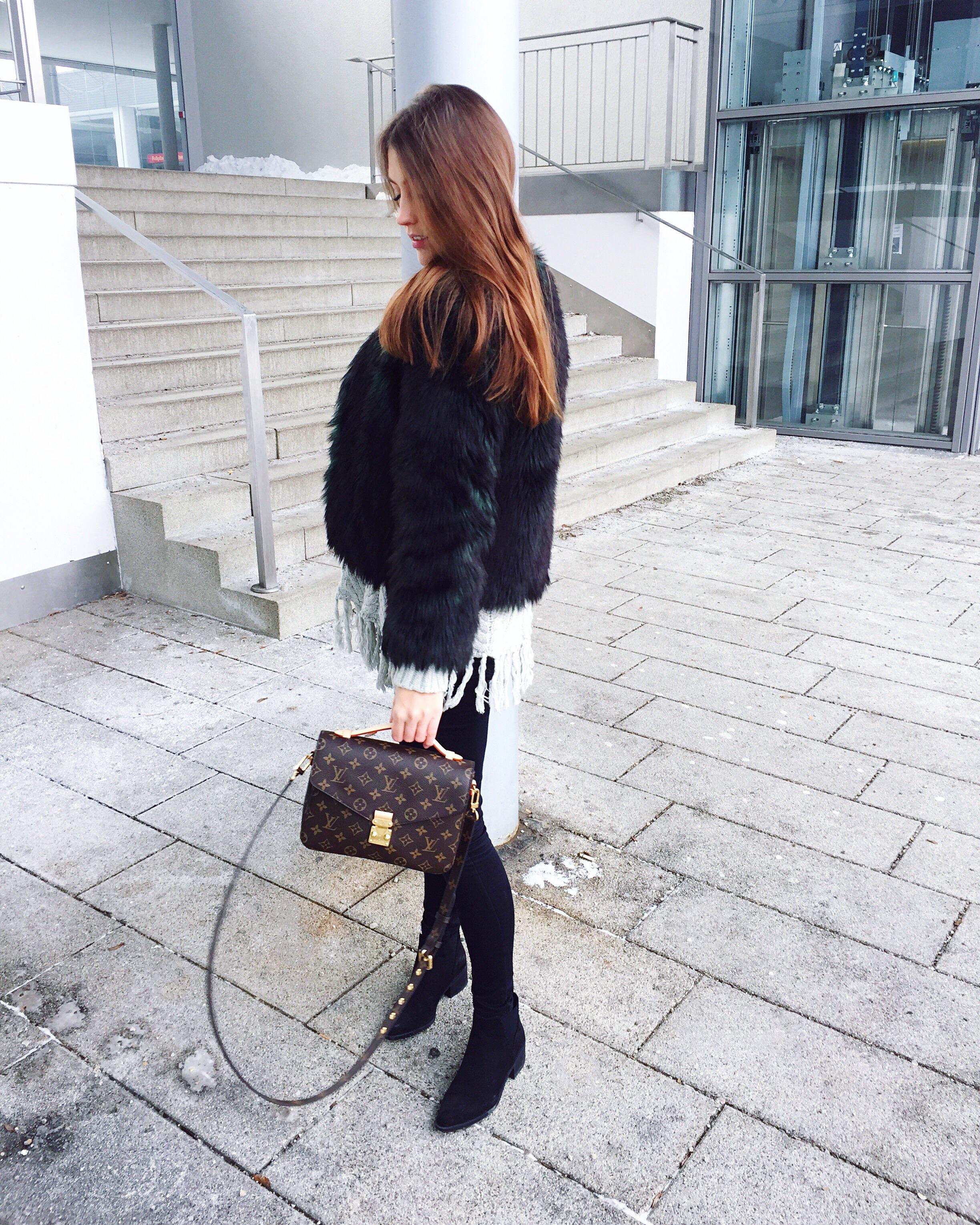 louis-vuitton-pochette-metis-outfit