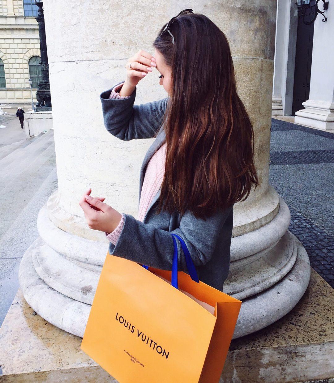 Unboxing Louis Vuitton