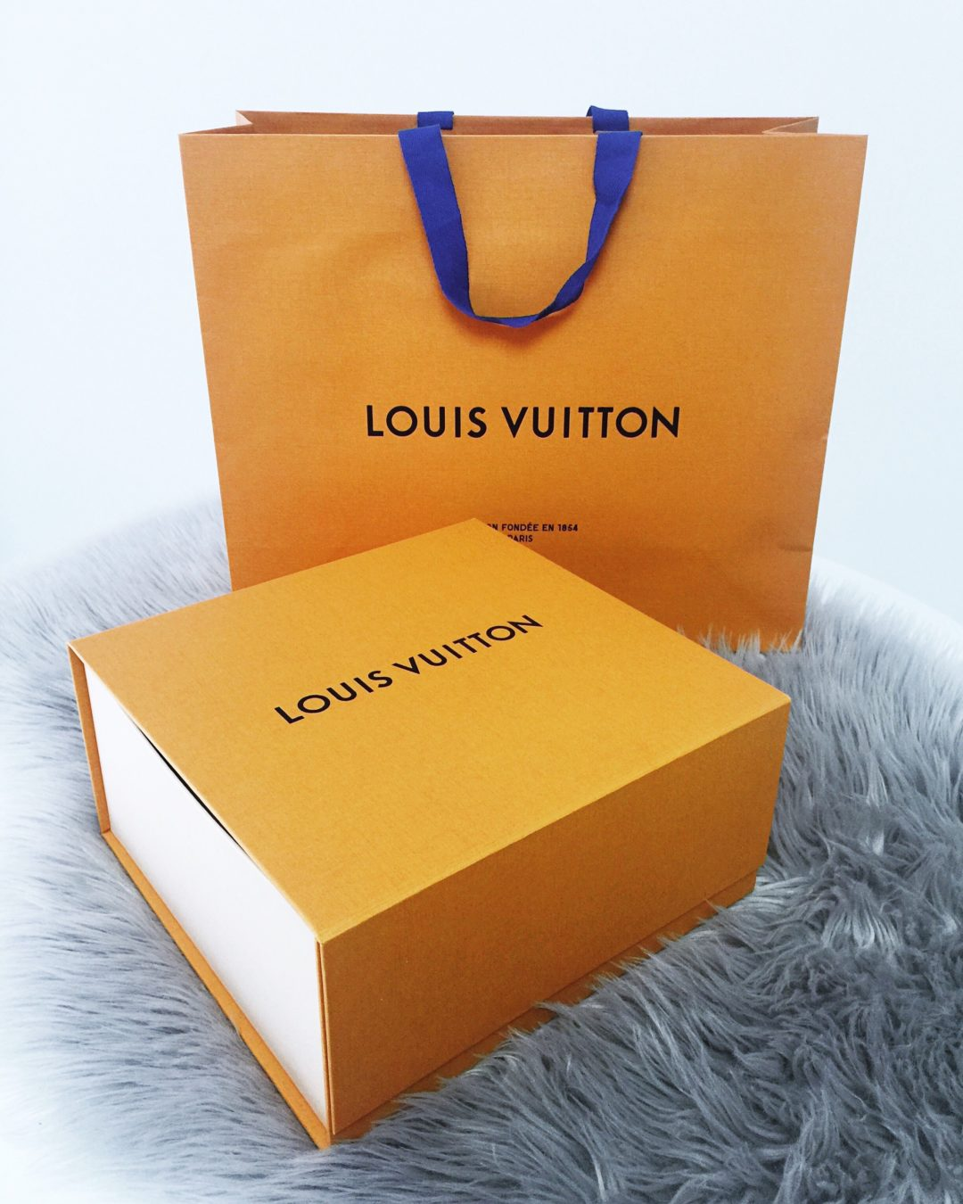 Unboxing Louis Vuitton Pochette Metis