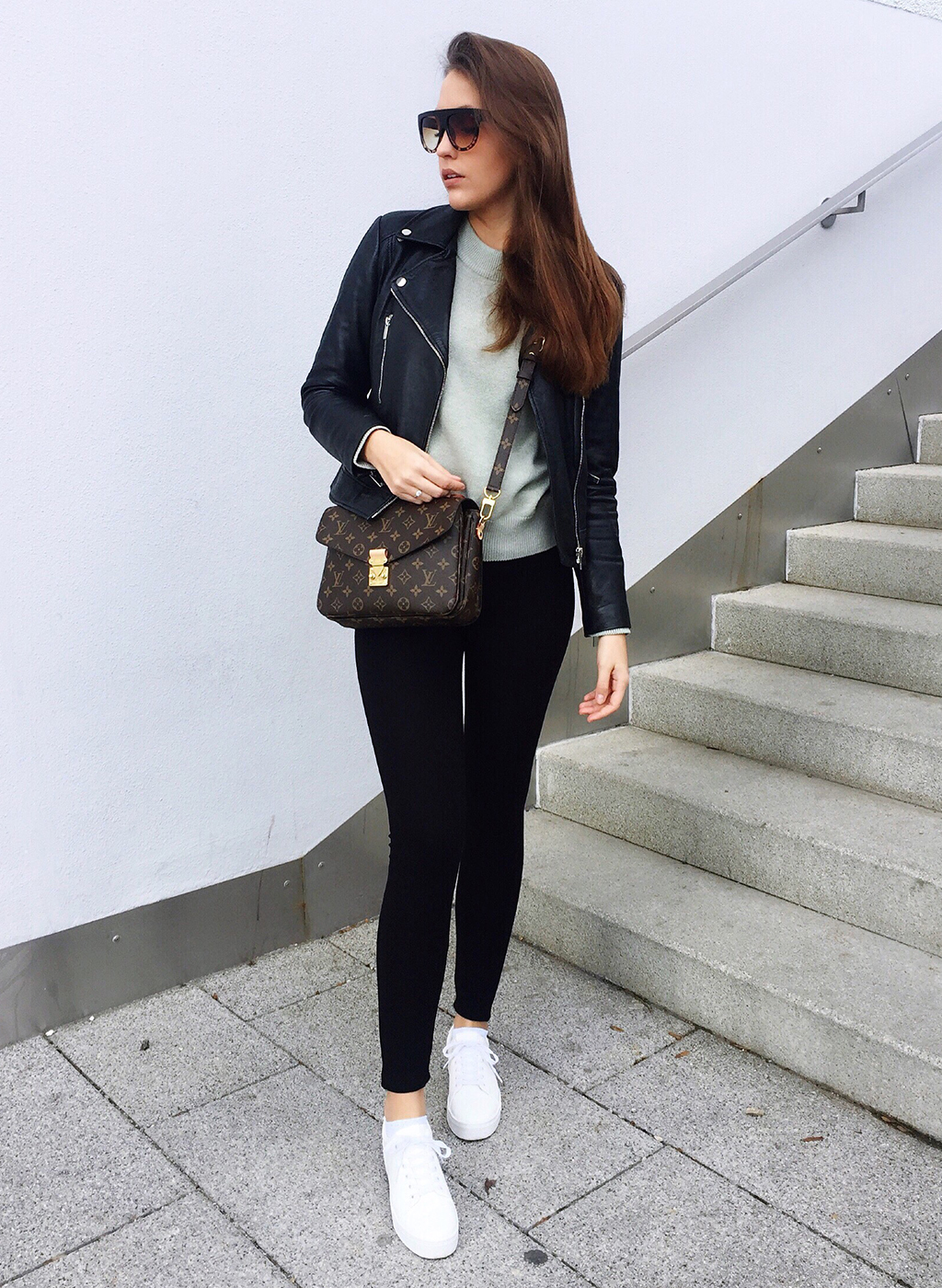 Casual Outfit Louis Vuitton Pochette Metis