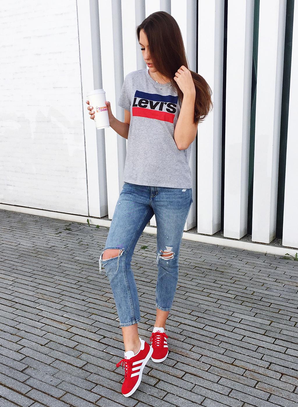 Levis Shirt Outfit