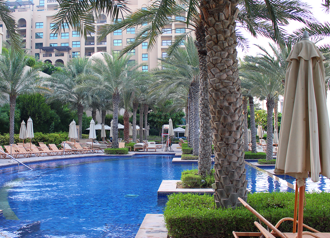Fairmont The Palm Hotel Dubai Review Pool Area