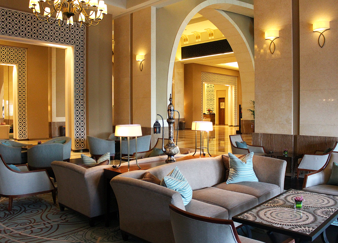 Fairmont The Palm Hotel Dubai Review Lobby Lounge Kaffee