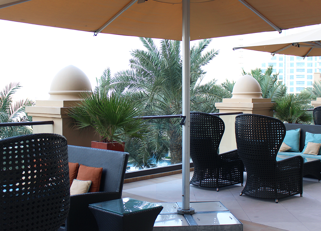 Fairmont The Palm Hotel Dubai Review Terrasse