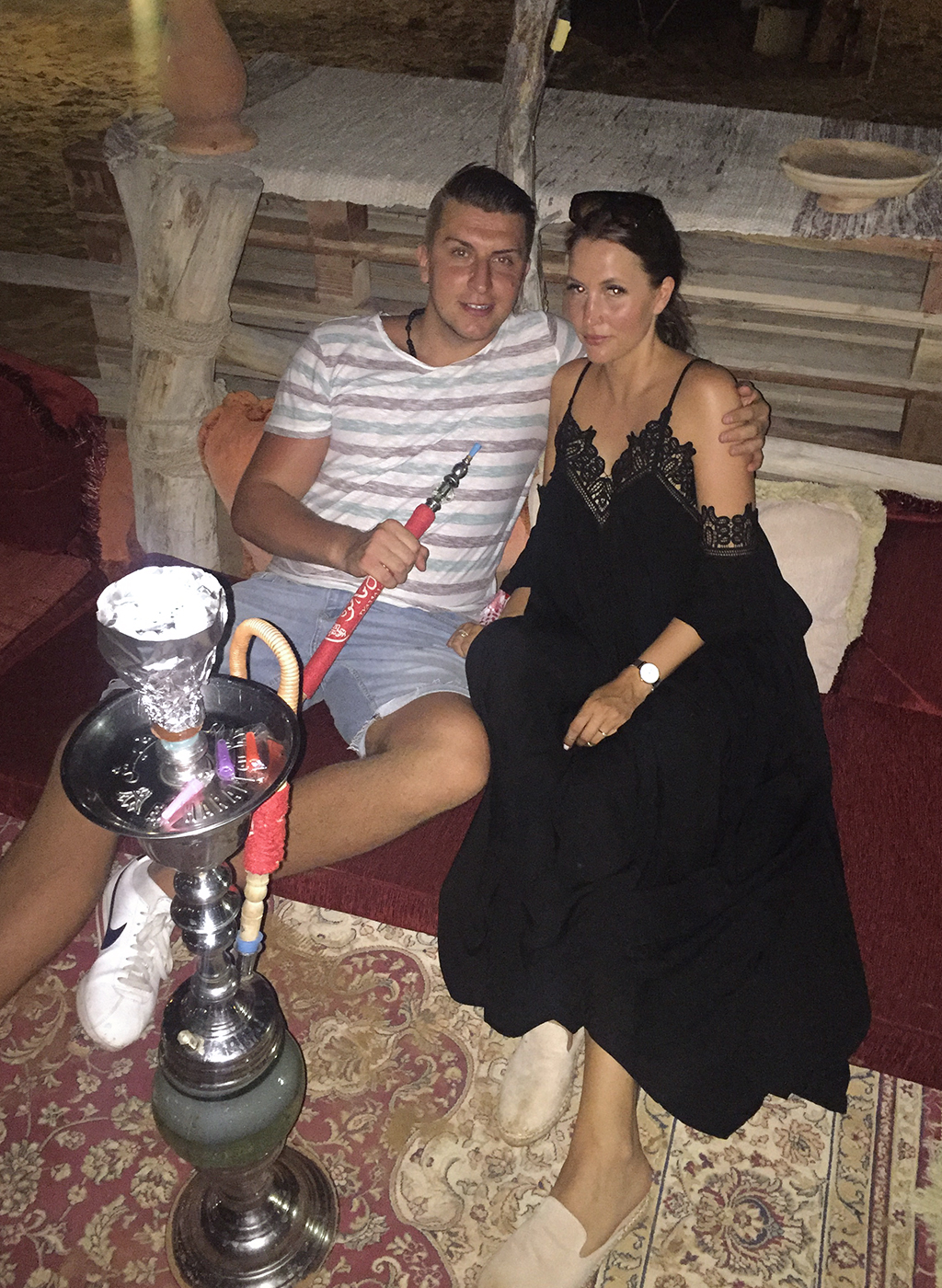 Shisha rauchen Dubai Desert Safari