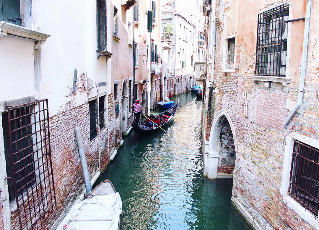 Venedig Gassen Canal Grande Gondolier