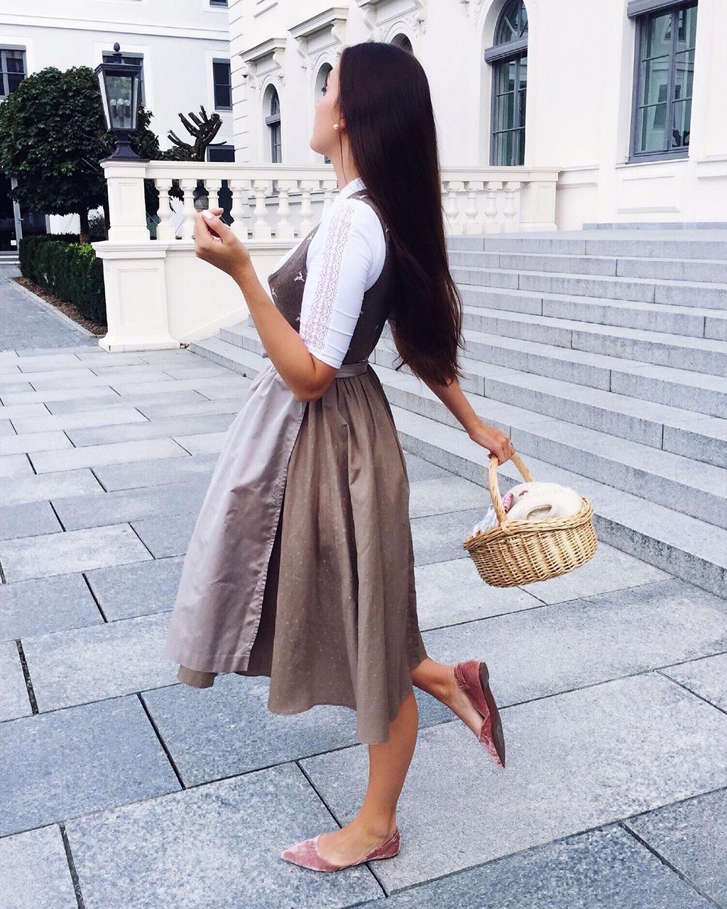 Oktoberfest Dirndl Outfit