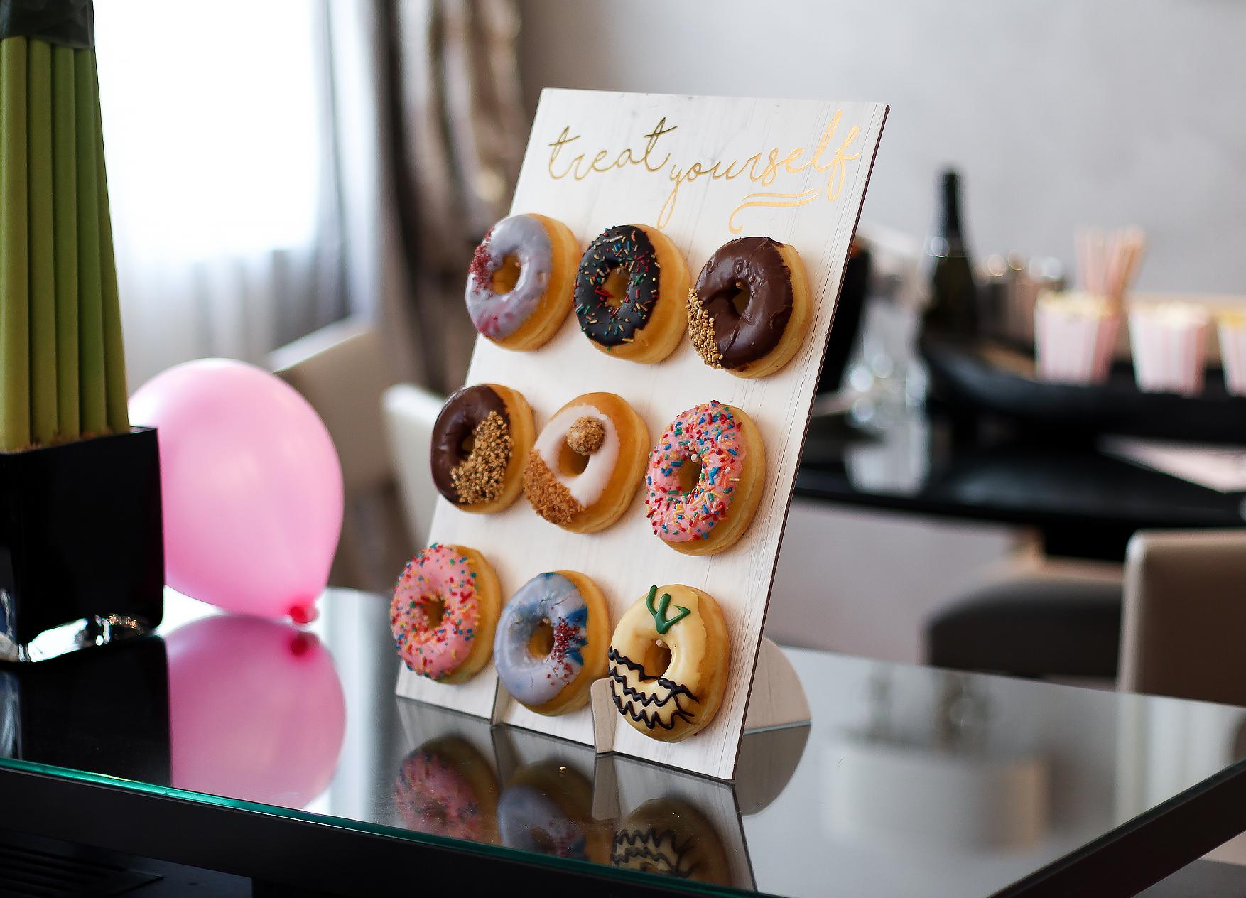 Ja Hochzeitsshop Donut Wall